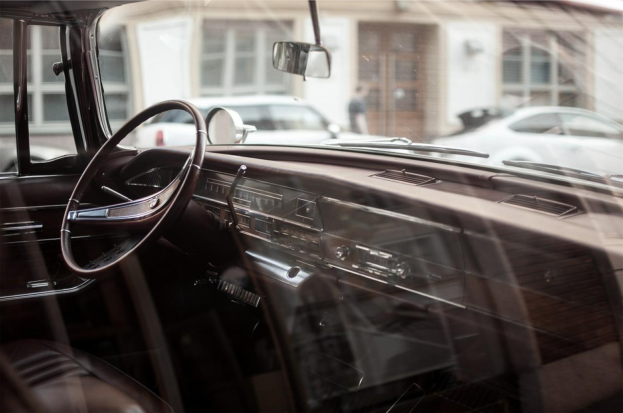 voiture occasion intérieur